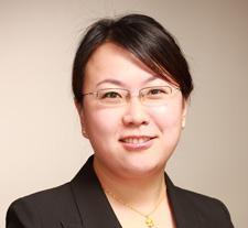 杨红:集团副总经理